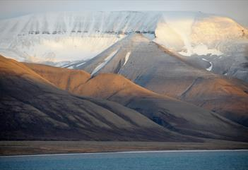Kayak and mountain hike - Spitsbergen Outdoor Activities