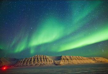 Northern Lights cruise towards Barentsburg - HTG