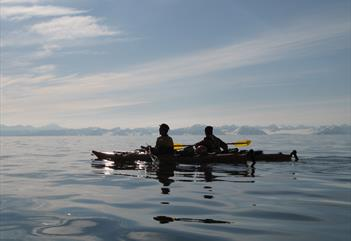 Evening trip with kayak on Adventfjorden - Svalbard Wildlife Expeditions
