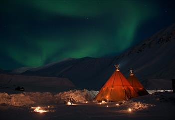 Snowmobile Safari to Northern Ligths Camp - Svalbard Adventures