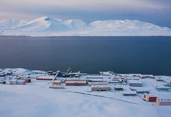 Excursion by snowmobile to Barentsburg - Poli Arctici