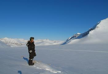Excursion by snowmobile in Surrounding area of Longyearbyen - Poli Arctici