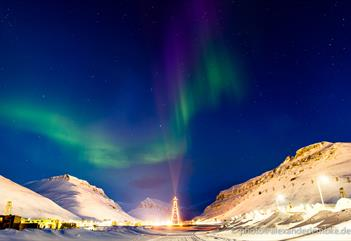 Northern Lights above Longyearbyen