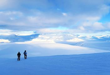 Foxfonna: Start from the summit and explore glaciers and mountains - Svalbard Wildlife Expeditions